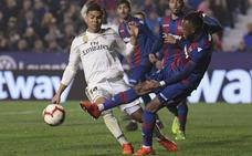Doukouré se rompe el ligamento cruzado de la rodilla tras el penalti a Casemiro