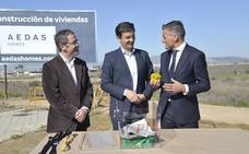 El Ayuntamiento de Granada pone la primera piedra para construir 930 viviendas en Albayda