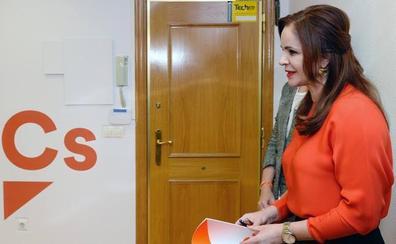 Ciudadanos ficha a exdirigentes de PP y PSOE para reforzar sus listas electorales