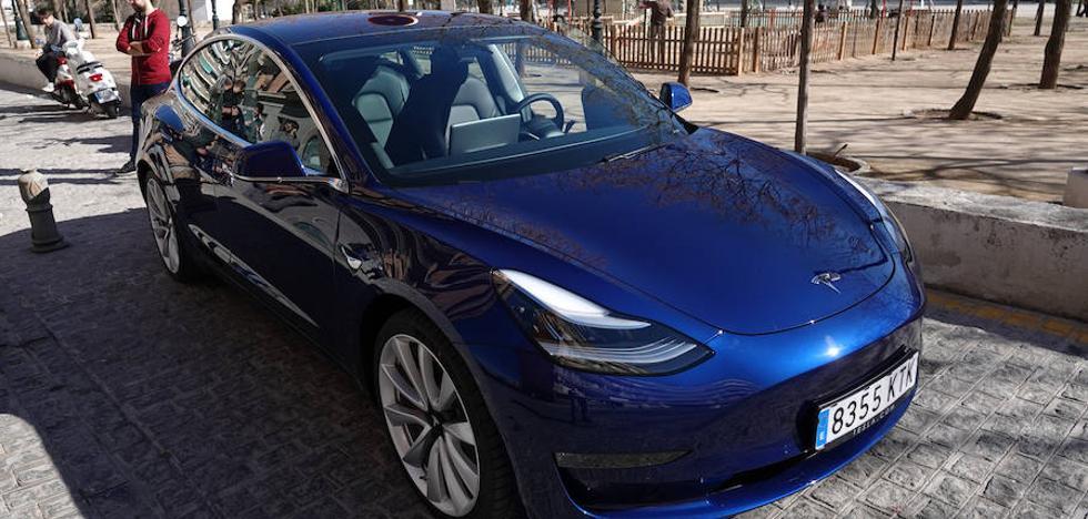 A bordo del nuevo Tesla por Granada