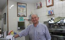 Se jubila Paco, el dueño del mítico bar Pennsylvania