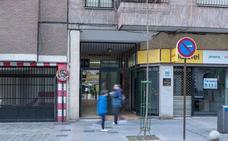 Multa de 3.300 euros para tres adultos que manosearon el culo a una menor en un pub de Granada
