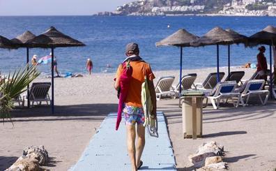 Los chiringuitos piden que se 'abran' las playas en el puente de Andalucía