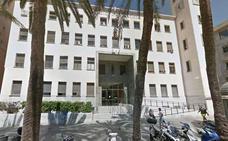 Absuelven a un hombre que apuñaló a un trabajador de dependencia en Almería cuando sufría un brote psicótico