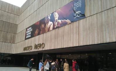 Diálogo literario entre Eslava Galán y Posteguillo en torno al mundo ibero