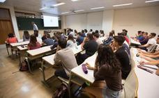 Andalucía mantendrá las matrículas universitarias gratuitas para los alumnos que aprueben