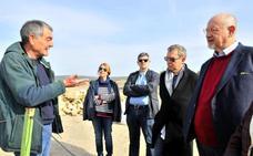 Eslava Galán y Posteguillo visitan el yacimiento de Cástulo