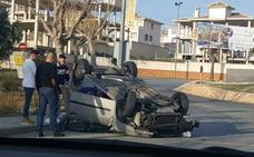 Un coche vuelca en Otura sin que se hayan registrado heridos