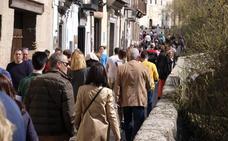 Llenazo en las calles de Granada