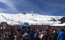 Sierra Nevada registra más de 52.000 esquiadores durante el puente por el Día de Andalucía