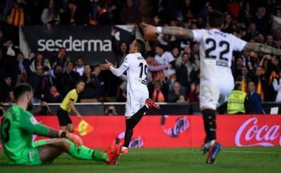 El Valencia gana la pelea por acercarse a Europa