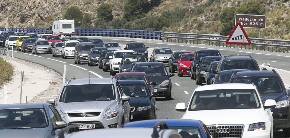 Los conductores de más de 65 años duplican a los menores de 25