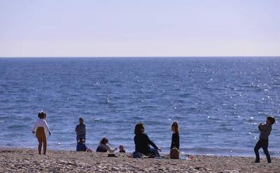 Almuñécar comienza la próxima semana la puesta a punto para 'abrir' sus playas