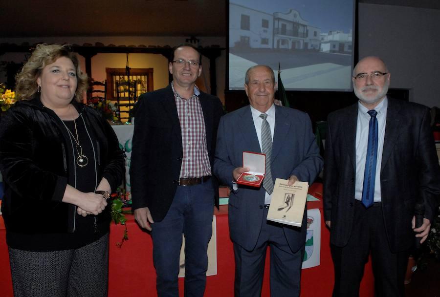 El Ayuntamiento de Alpujarra de la Sierra rinde homenaje a los alcaldes de la democracia