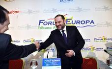 Ábalos anuncia que el tren a Madrid recortará hora y media en 2020 con el cambiador de ancho