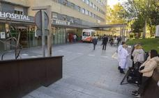 Dos hospitales de Granada son los que más pacientes fuera de plazo tienen para operarse en Andalucía