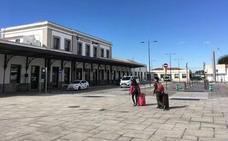 Cancelados por la huelga feminista los viajes de autobús para el AVE de Granada a Madrid