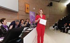 La profesora de la UGR Margarita Sánchez recibe el premio de divulgación feminista 'Carmen de Burgos'