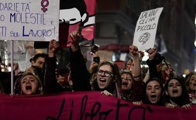 Absuelven a dos acusados de violación porque la víctima era «demasiado masculina»