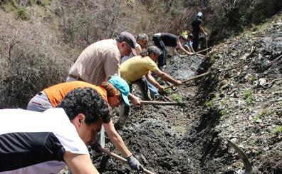 El Laboratorio MEMOLab-UGR comienza la campaña de limpieza de acequias históricas