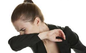 El peligro del saludo tradicional para tu salud