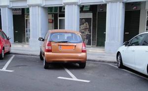 La multa que pueden ponerte en Granada por no respetar la distancia mínima al aparcar