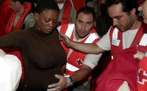 El PP propone no expulsar a mujeres migrantes durante la adopción de su bebé