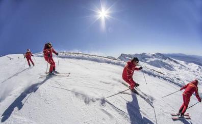 La Junta creará un plan director en Sierra Nevada que estudie la ampliación del espacio esquiable