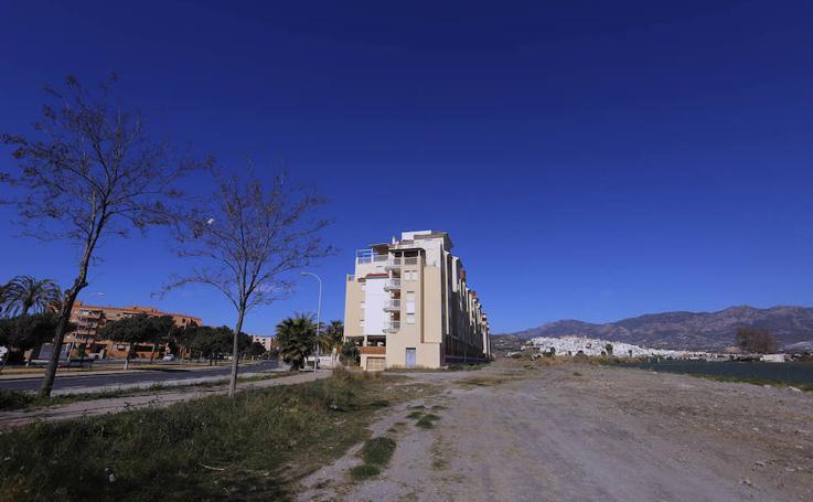 Salobreña tendrá una zona verde paralela al vial central, 20 años después