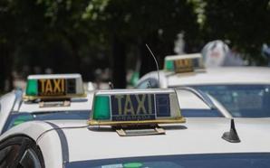 Taxistas de Granada hacen una colecta para hacer frente a las posibles multas recibidas durante la huelga