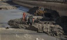 Retiran veinte toneladas de basura del río Genil