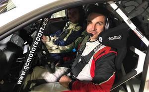 Dani Cumbrero, un copiloto jienense en la cima del rally nacional