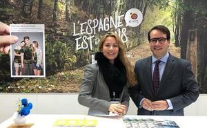 'Costa de Almería' seduce en el Salón Mundial del Turismo de París