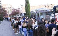 La fiesta de la primavera reúne a más de 4.000 jóvenes granadinos con destino a Babilonia