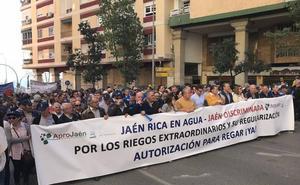 Los regantes de Jaén salen a la calle a pedir agua para sus cosechas