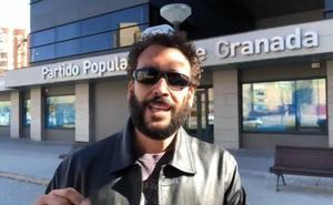 Spiriman deja 2.500 euros del ayuntamiento de Frailes en la sede del PP de Granada