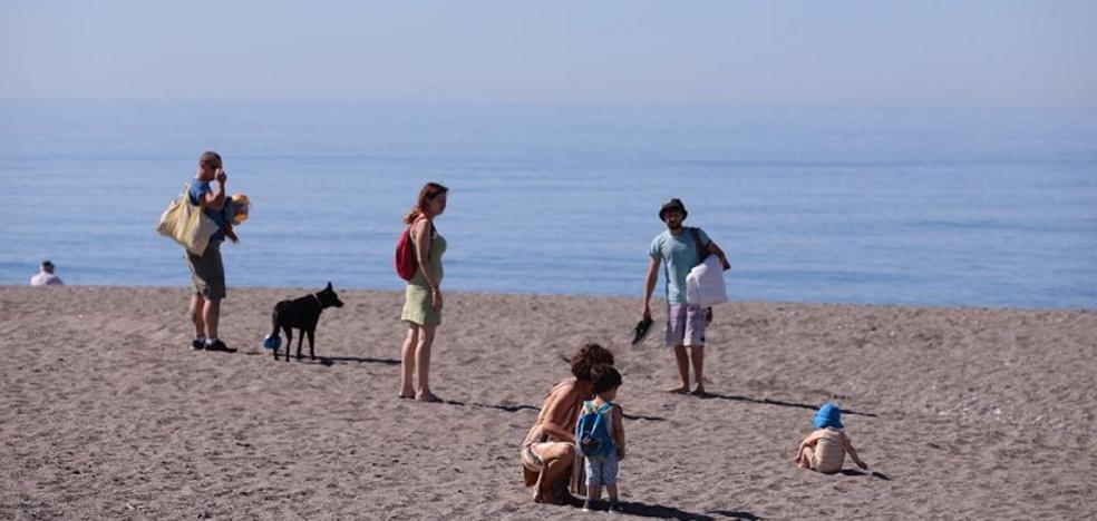 La Costa disfruta de un día veraniego como avance de un buen fin de semana