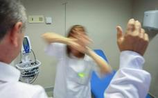 La Junta muestra su «repulsa» a las agresiones sanitarias