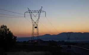 Subdelegación entrega «informes positivos» de la línea eléctrica Caparacena-Baza-La Ribina