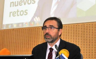 Juan Gómez presenta propuestas con incidencia en el Campus