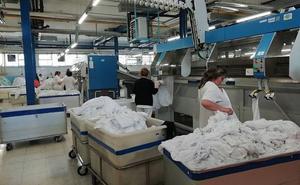 Salud destina 467.433 euros a reparar el daño del incendio en la lavandería del Virgen de las Nieves