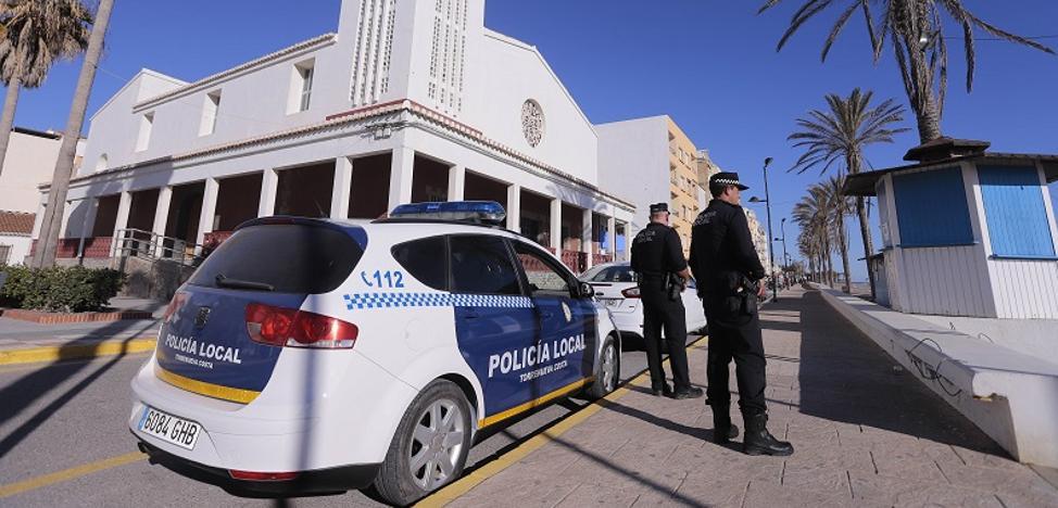 El municipio Torrenueva Costa estrena su propia Policía tras un convenio con Albuñol