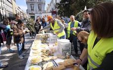 Desayuno multitudinario para pedir un precio digno por el aceite de oliva