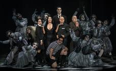 La Familia Addams llega en abril al Maestro Padilla con seis pases