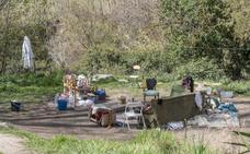 Ayuntamiento, Junta y Gobierno se culpan de la 'okupación' del Darro
