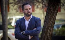 Abascal propone armar a «los españoles honrados» para que defiendan sus casas