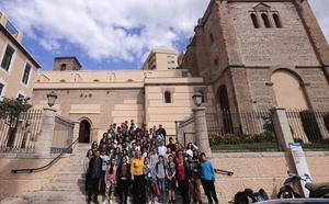 Estudiantes franceses y del instituto La Zafra visitan el Ayuntamiento de Motril