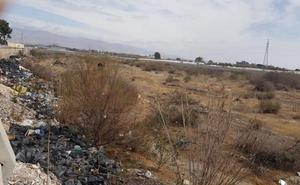 IU propone un plan para limpiar el Andarax