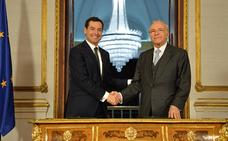 Moreno y Fainé firman un acuerdo por el que «la Caixa» aumentará en 60 millones su inversión en Andalucía