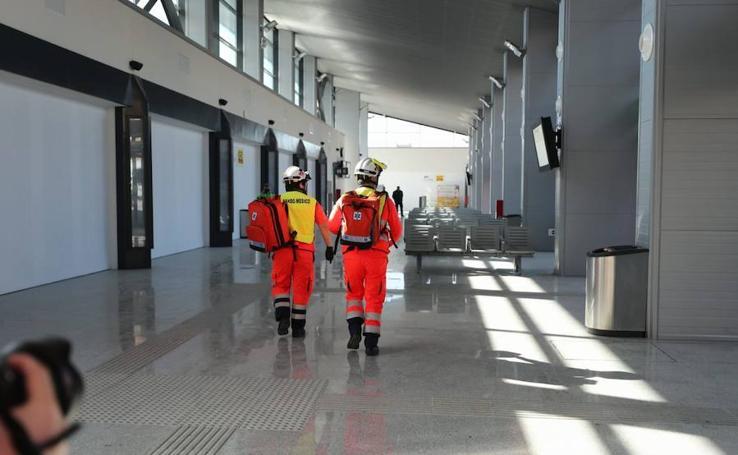 Explosión e incendio fingidos en la estación de tren de Granada